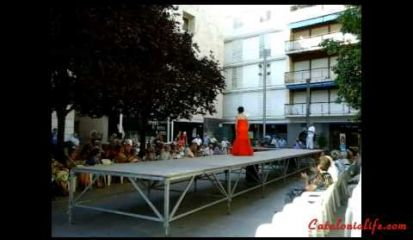 Embedded thumbnail for Desfile Vestidos de papel, Blanes 2014