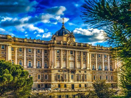 10 самых красивых дворцов в Испании