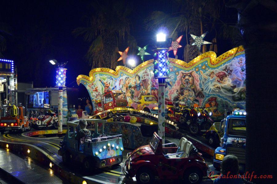 Аттракционы для детей. Ярмарка аттракционов. Feria de Atracciones.
