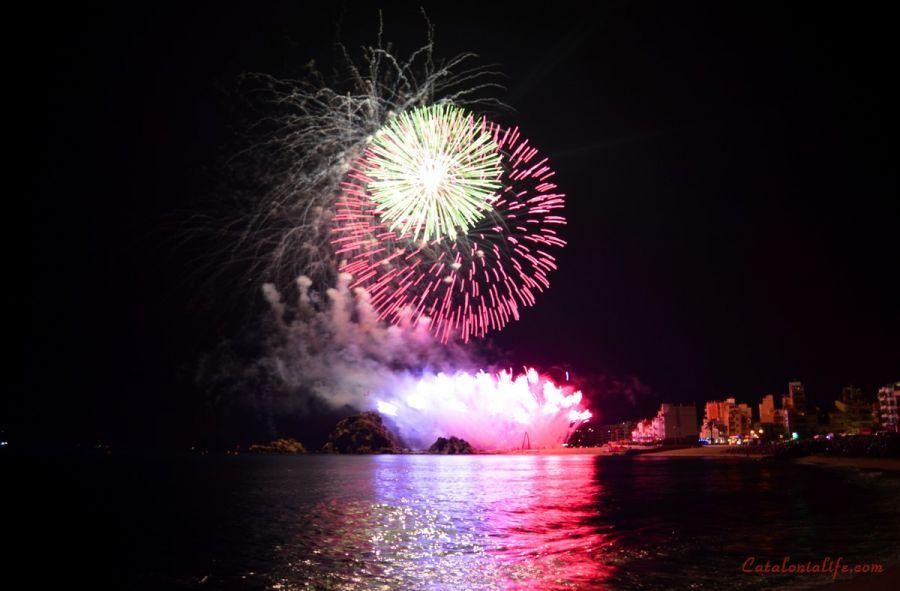 Пиротехническая компания Fireworks Lieto, из провинции Неаполь, Италия (Pirotecnia Fireworks Lieto, Italy)