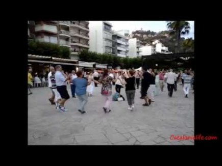 Embedded thumbnail for Sardana - catalan dance / Сардана - национальный танец каталонцев