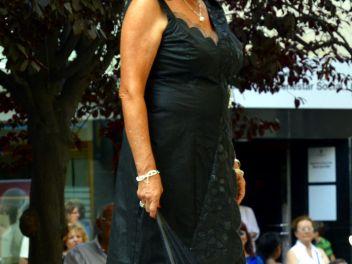 Дефиле в платьях из бумаги в Бланесе 2015 (16a Desfilada de Vestits de Paper a Blanes 2015)