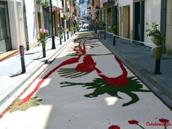 Ковры из цветов в Бланесе,Estores de Flors de Raval en Blanes, CATIFES DE FLORS NATURALS a Blanes