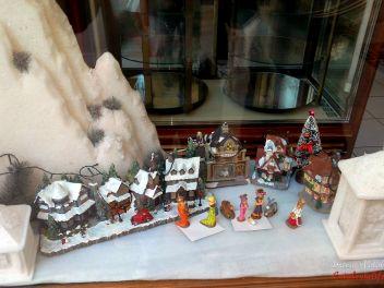 вертепы,Рождество,Испания,Каталония,обычаи,традиции,празднование,витрина