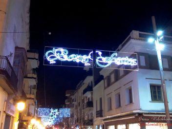 Рождество,Испания,Каталония,обычаи,традиции,празднование,улица,украшенная,гирлянды