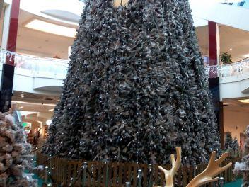 Рождество,Испания,Каталония,обычаи,традиции,празднование,елка,украшенная,гирлянды,Новый Год